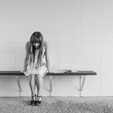 Kako si pomagati pri depresiji – 5 priporočil za NUJNO samopomoč