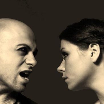 Kako prepoznati čustveno izsiljevanje in kako se mu upreti?